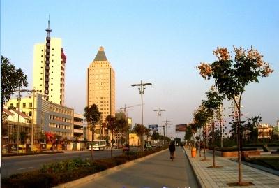 安庆天柱山民航机场先期已开通至北京,上海,广州,厦门等航线,目前又在