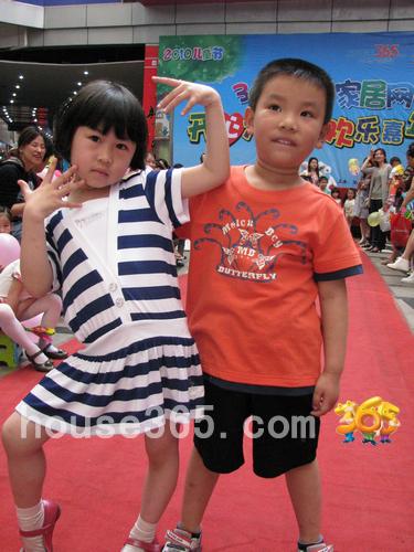 儿童走秀t台pose