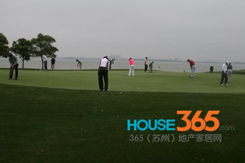 起的高尔夫球场——金鸡湖国际高尔夫俱乐部正式开业