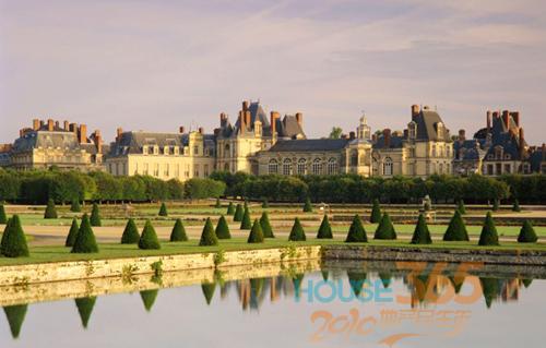 玻璃金字塔改造卢浮宫