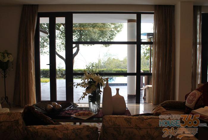 楼市资讯 图片资讯   365地产家居网 常州讯涵田半岛别墅的样板房,将