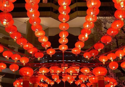 元宵节挂灯笼
