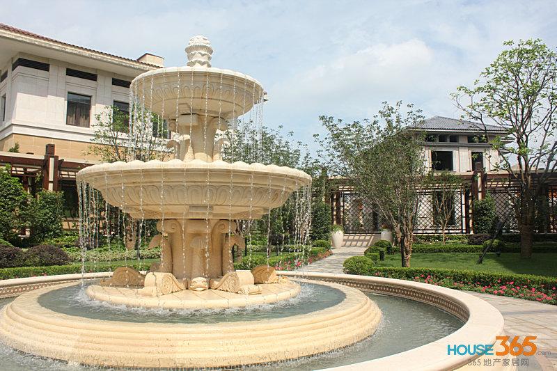 雕塑喷泉手绘图片