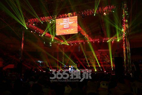 朗朗黄河协奏曲-盛宴 2013郎朗新年音乐会奏响芜湖图片