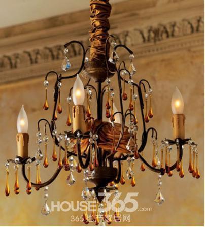 为爱家增加璀璨色彩 客厅餐厅的欧式古典吊灯推荐