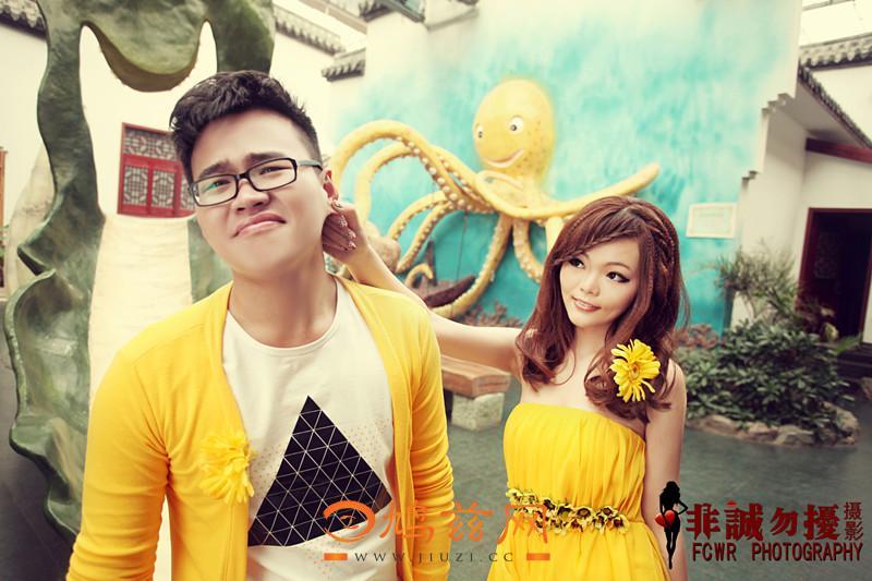 """芜湖/充满童趣的章鱼背景,新娘扭着新郎的耳朵,仿佛在宣誓""""以后..."""