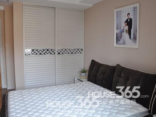 新婚卧室衣柜结构图片