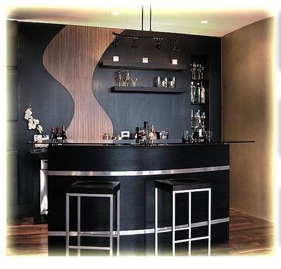 家居吧台装修效果图:纯黑色的吧台背景墙加入了与整个吧台从上链