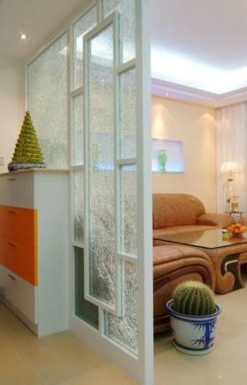 效果圖玄關:玄關與客廳用玻璃做為隔斷