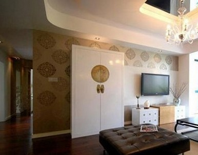 小户型装修设计日式:   客厅显得十分宽敞,桔黄色的色调给高清图片