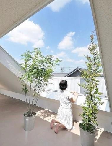 斜屋顶室内装修效果图