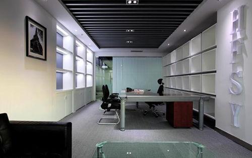 办公室天花板效果图 极其简洁的室内设计