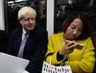 伦敦市长体验北京地铁